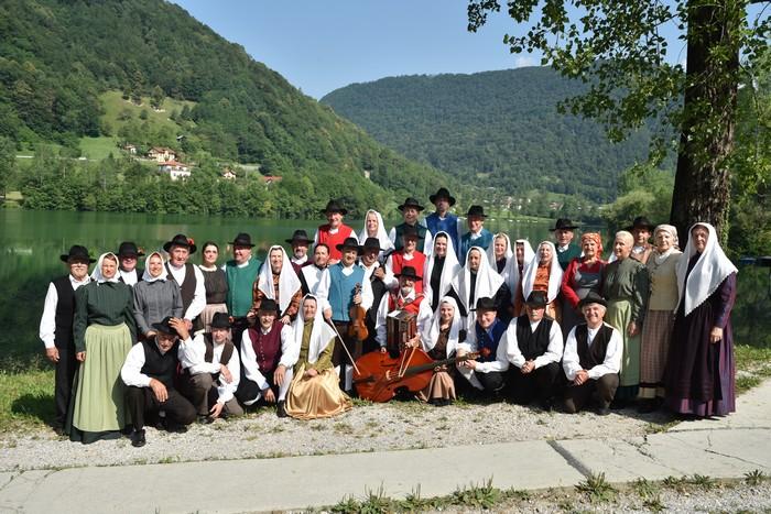 Folklorna skupina Razor Tolmin