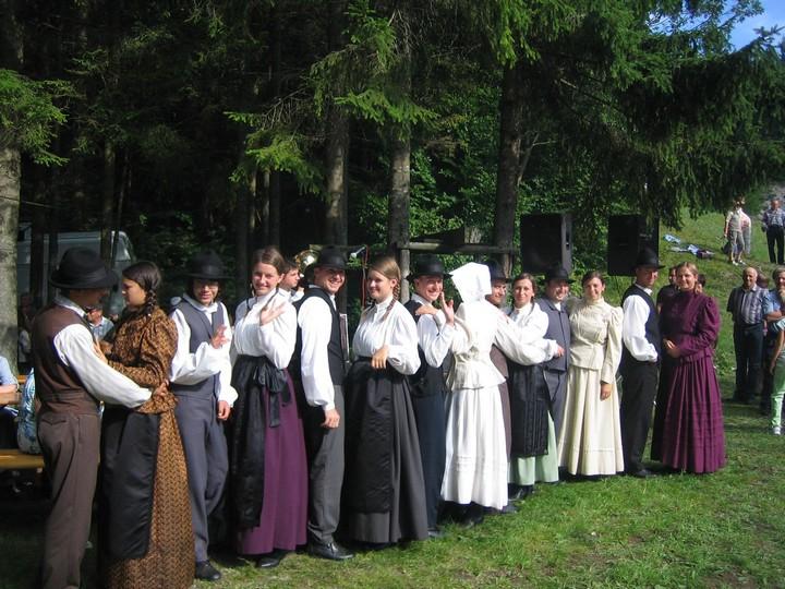 Folklorna skupina »Ivan Laharnar – Planota« Šentviška Gora
